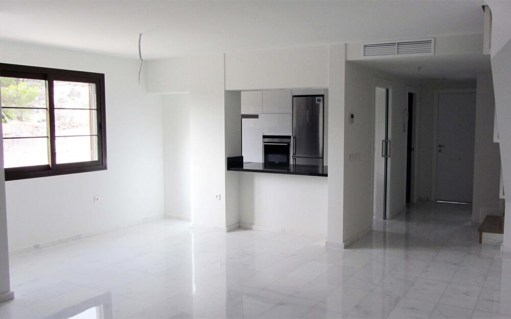 Купить недвижимость в испании бенидорм квартира в словакии цены